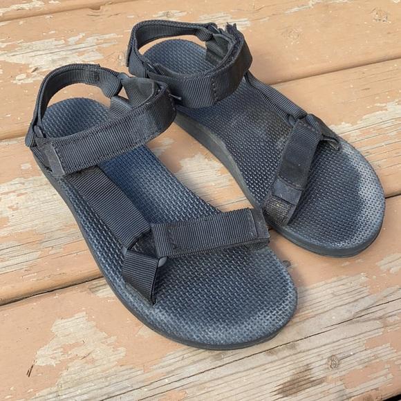 Teva Women's Original Universal Sandal Size 6